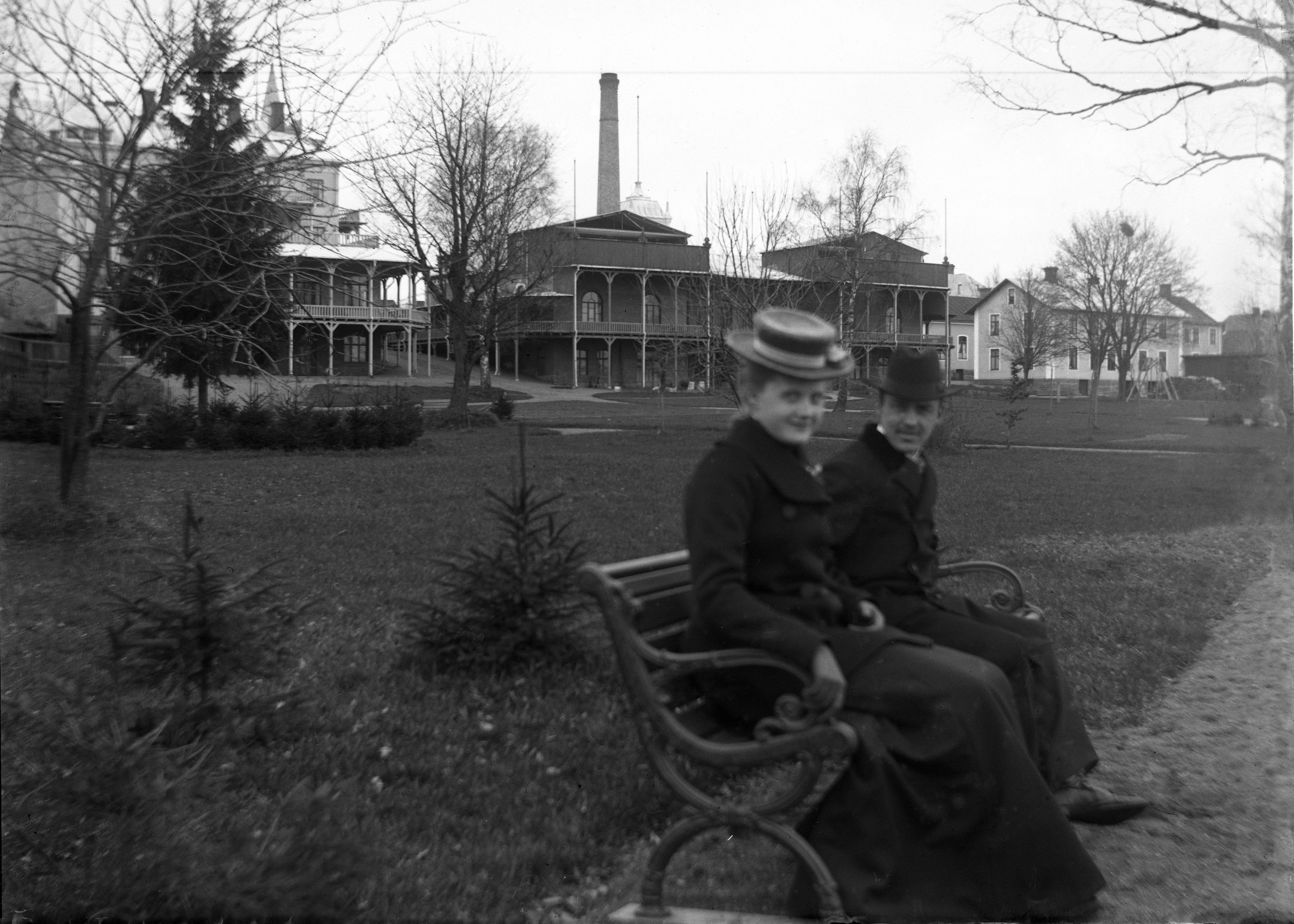 676-herre-kvinna208-badhotellet-ca-1920